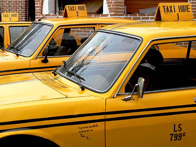 baldiri : taxis of lagos : BALDIRI07022101.jpg