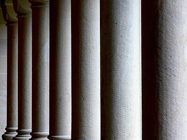 baldiri : stanford columns : BALDIRI07052201.jpg